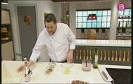 'Patates farcides de calamar amb suc de bolets'
